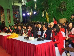 Hoa cài áo đại biểu – Tưng bừng khai trương Bảo Minh Mart