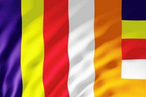 Treo cờ Phật giáo thế nào cho đúng?